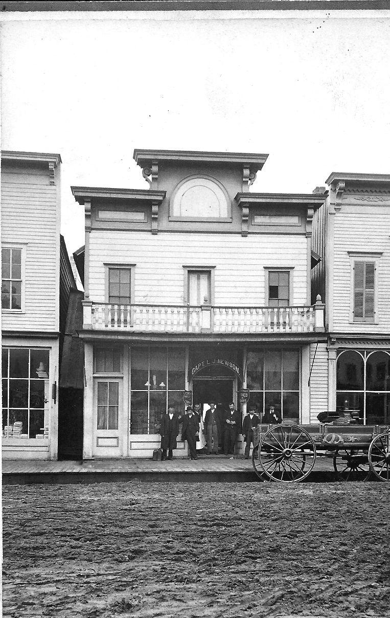 Newson Saloon