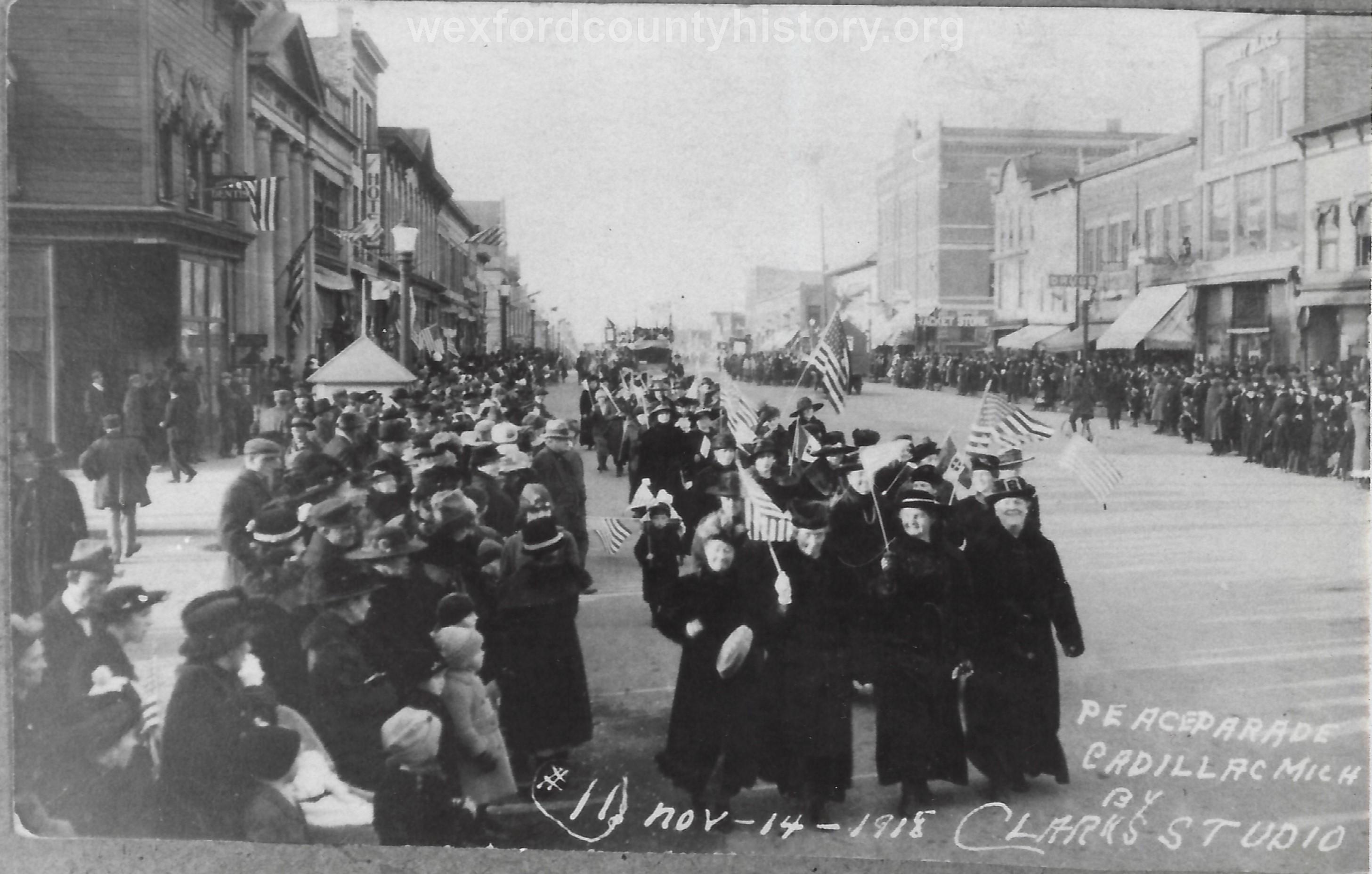 Cadillac-Parade-1918-11-14-Peace-Parade-10