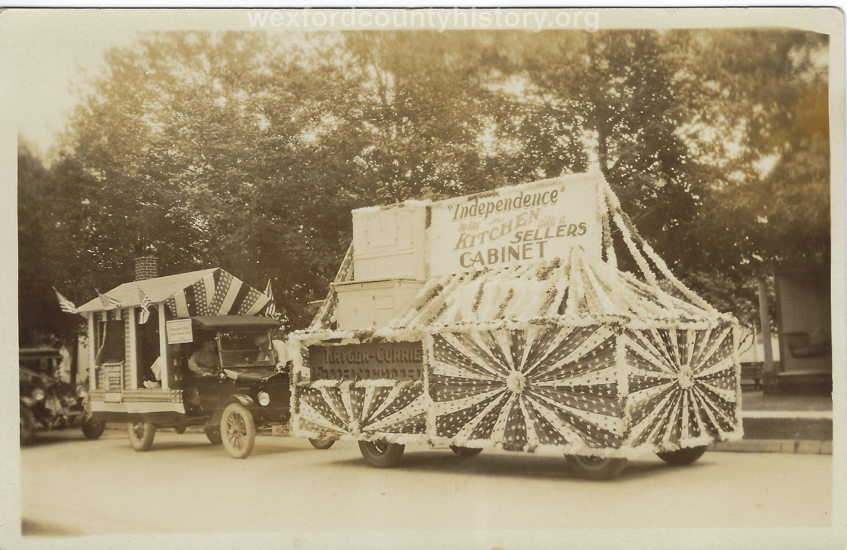 Cadillac-Parade-1918-11-14-Peace-Parade-27