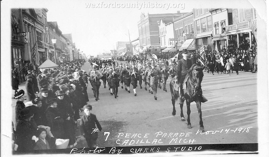 Cadillac-Parade-1918-11-14-Peace-Parade-6