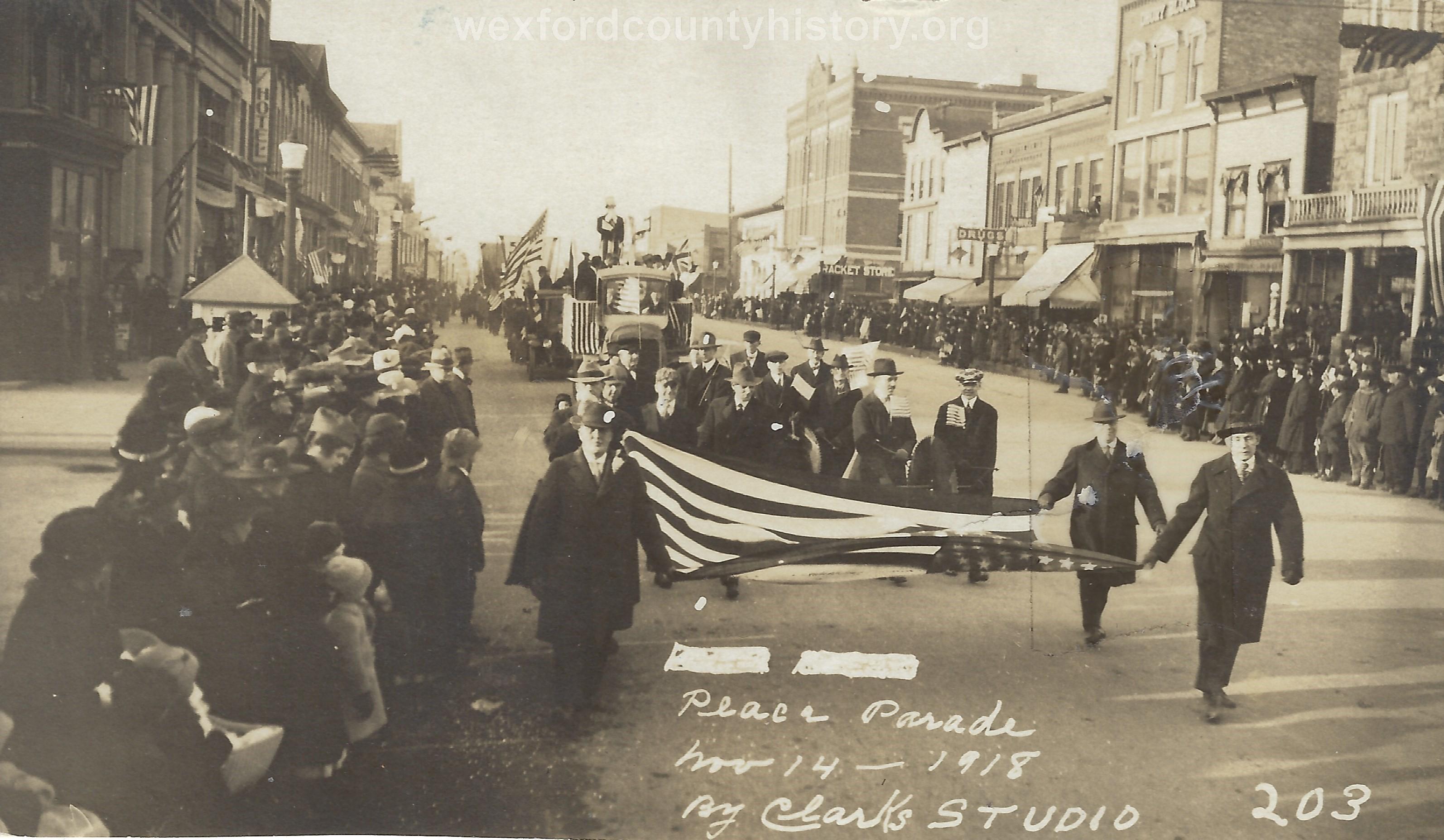 Cadillac-Parade-1918-11-14-Peace-Parade-7