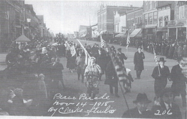 Cadillac-Parade-1918.11.14-Peace-Parade-1