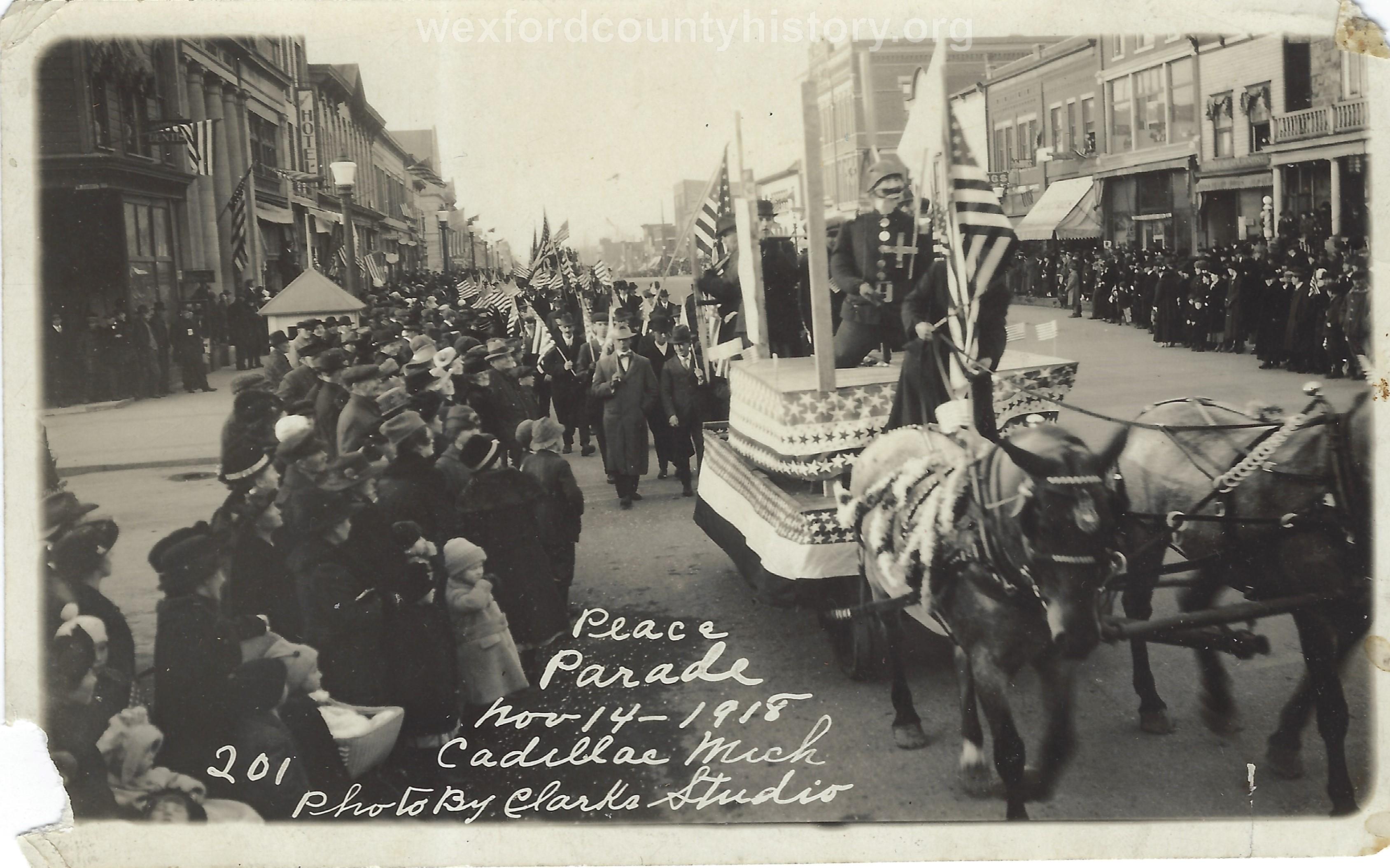 Cadillac-Parade-1918.11.14-Peace-Parade