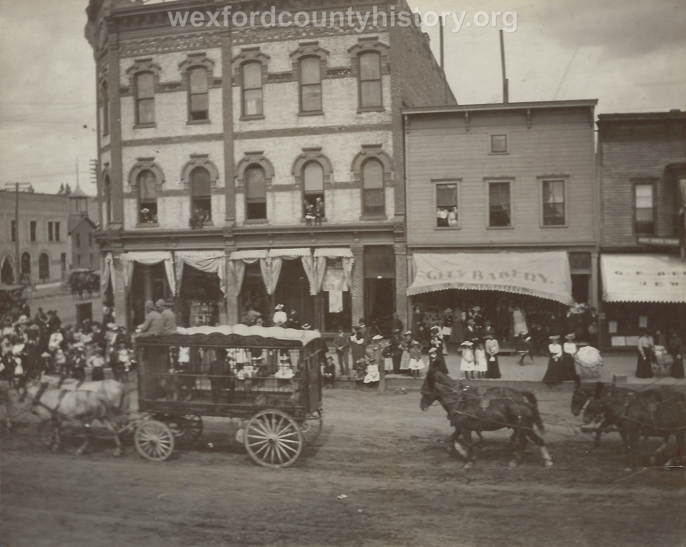 Cadillac-Parade-Circus-Comes-To-Town-South-Mitchell-Street-100-block-East-Side