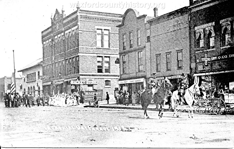 Cadillac-Parade-Memorial-Day-1912-2