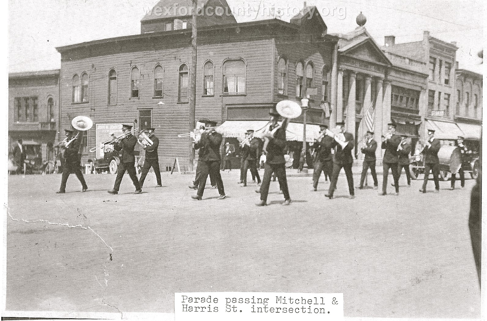 Cadillac-Parade-Parade-passing-the-intersection-of-North-Mitchell-Street-And-Harris-Street