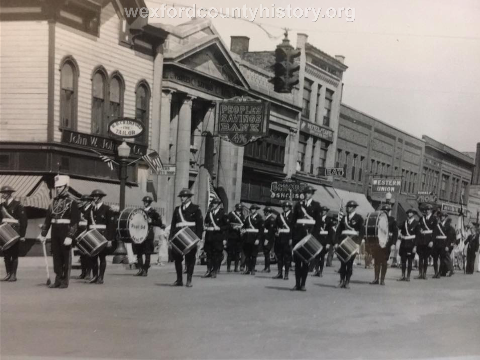 Cadillac-Parade-Unkown-Parade-Passing-By-North-Mitchell-Street-100-Block-West-Side-2