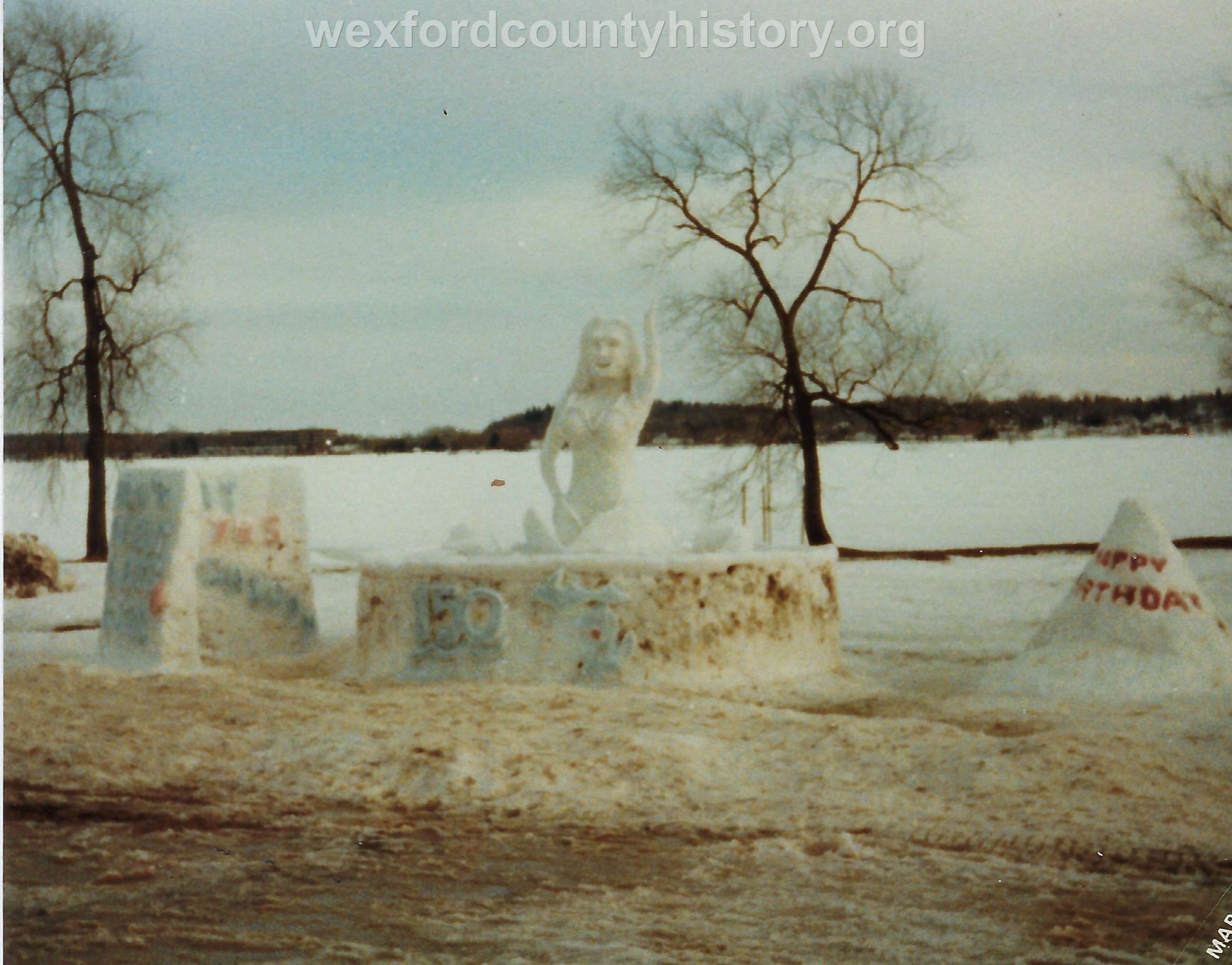 Cadillac-Recreation-Ice-Sculptures-On-Lake-Cadillac-For-Snowmobile-Festival-7