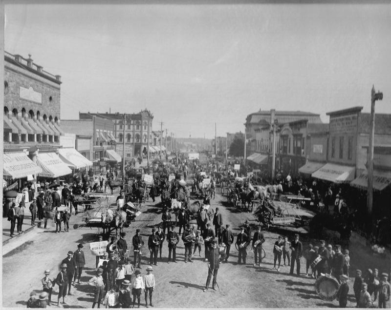 Mitchell Street Celebration in 1899