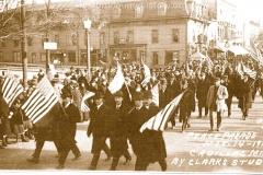 Cadillac-Parade-1918-11-14-Peace-Parade-11