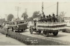 Cadillac-Parade-1918-11-14-Peace-Parade-25