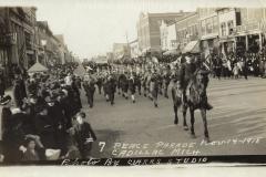 Cadillac-Parade-1918.11.14-Peace-Parade-4