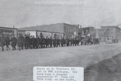 Cadillac-Parade-WW1-Soldiers-Marching-on-South-Mitchell-Street-near-the-300-block-unknown-why-marching