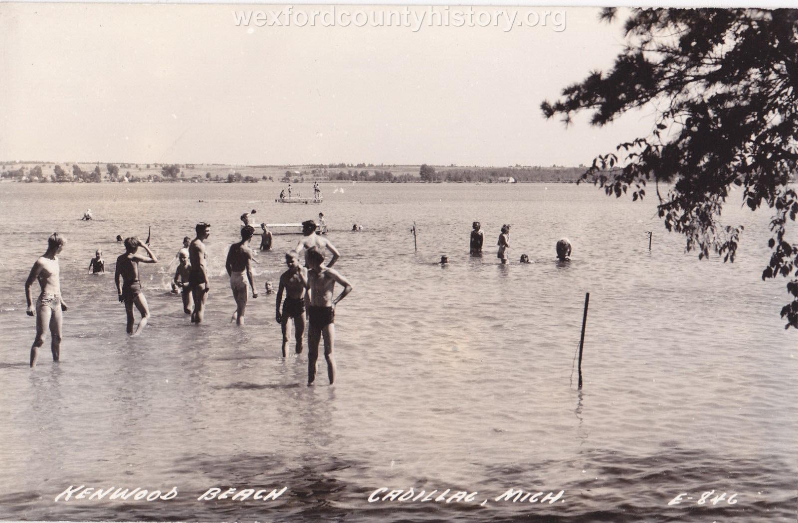Kenwood Park Beach, 1945