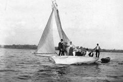 Sailboat Halster