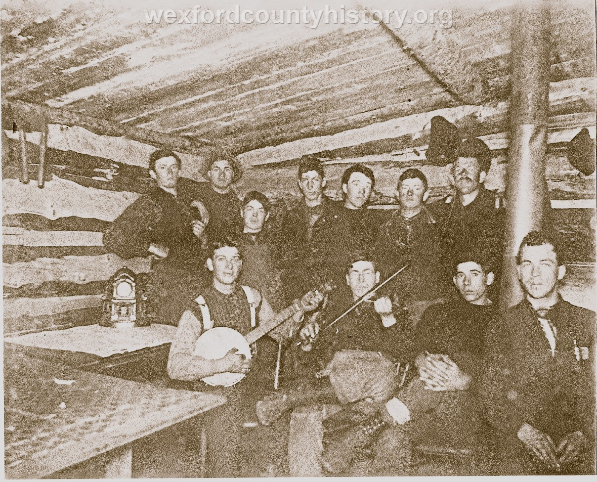 Cadillac-Lumber-Music-in-camp