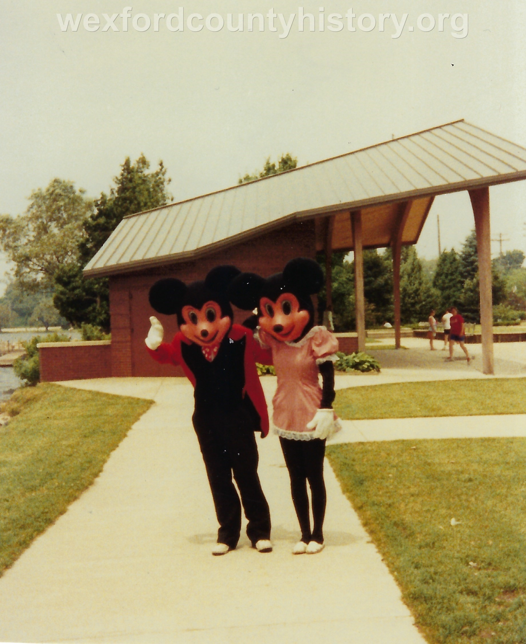 Cadillac-People-Mickey-And-Minnie-Mouse-Costumed-People-By-Rotary-Pavillion