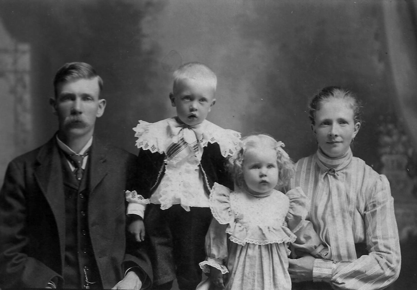 Bloomquist, Albert and Family