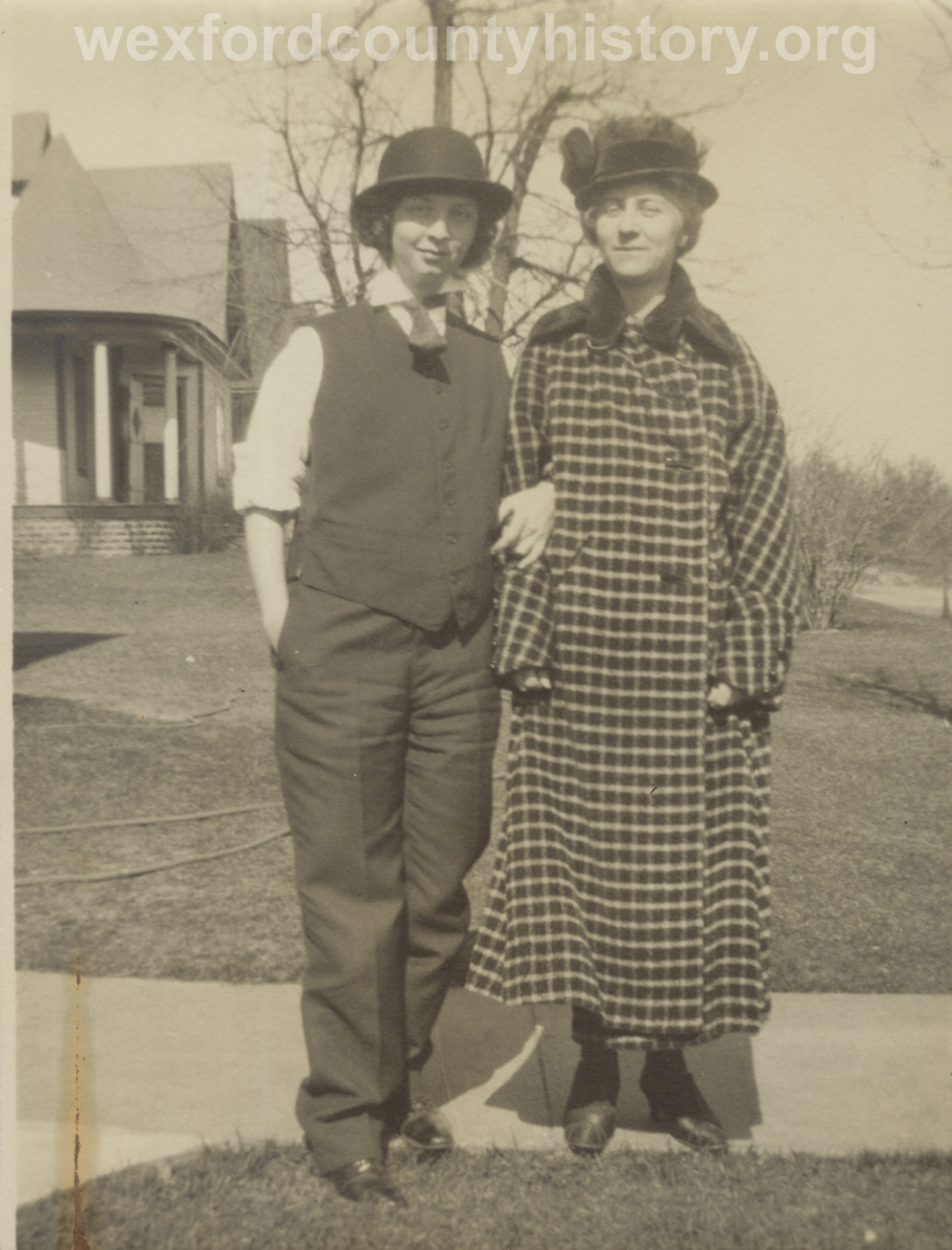 Lucille Lindstrom And Ruth Dahlquist