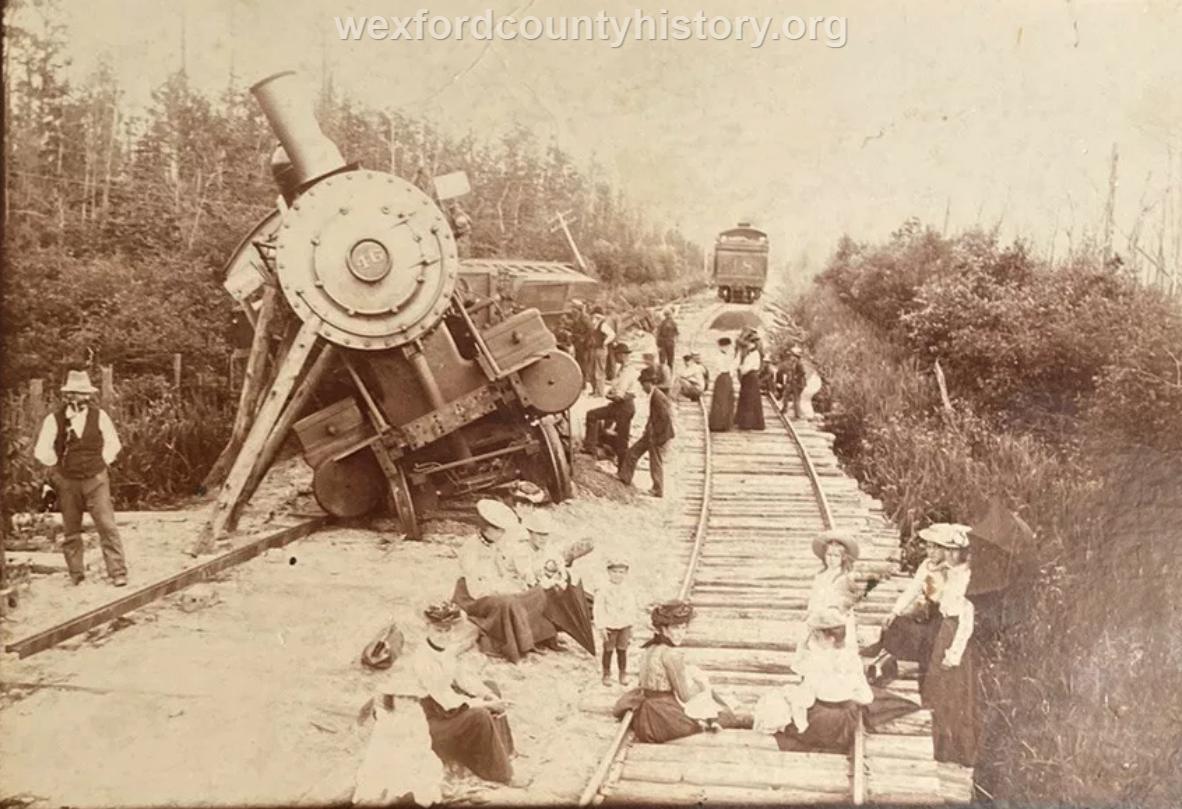 Cadillac-Ann-Arbor-Excursion-Trainwreck-1902.08.03-taken-by-Mesick-Photographer-Hodgins