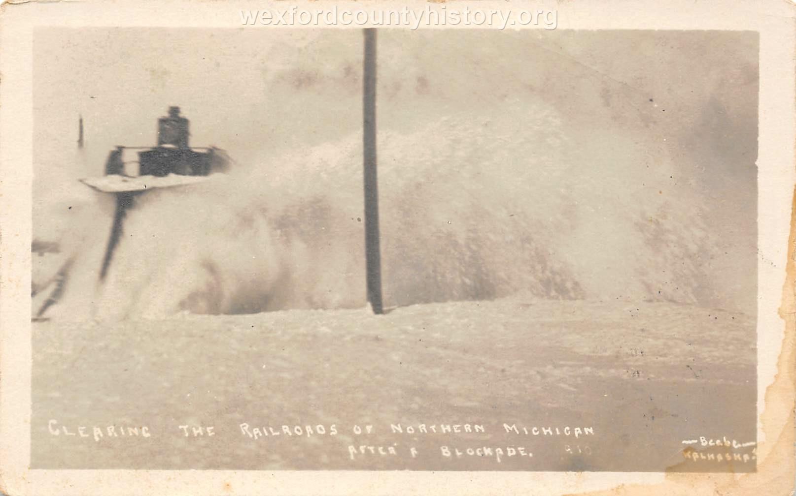 Cadillac-Railroad-Clearing-Railroad-of-Snow
