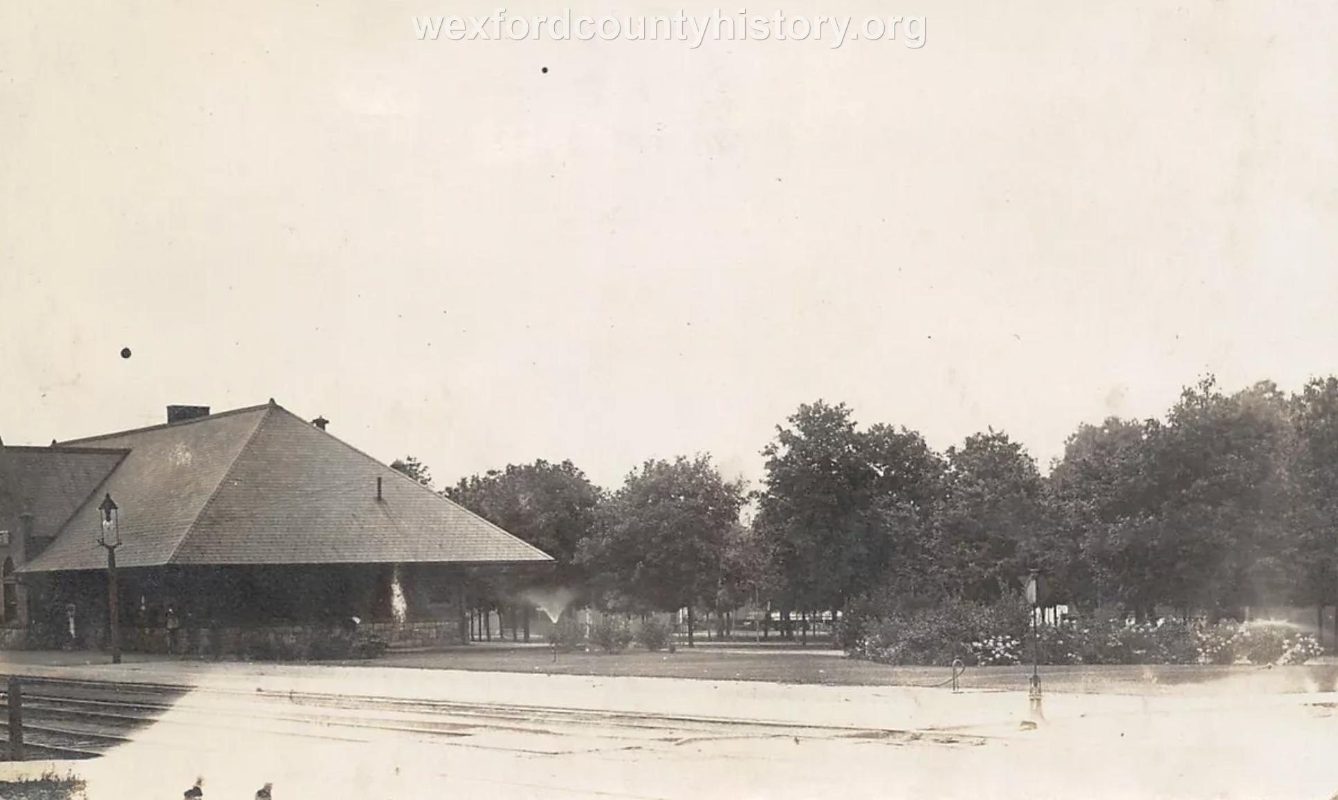 Cadillac-Railroad-Grand-Rapids-And-Indiana-Railroad-Depot