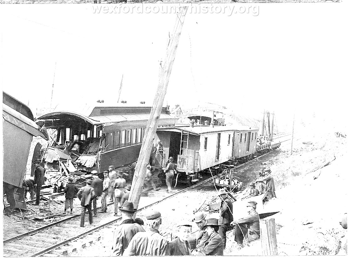 Cadillac-Railroad-Grand-Rapids-and-Indiana-Train-Wreck-1901-DS9ts7219-2