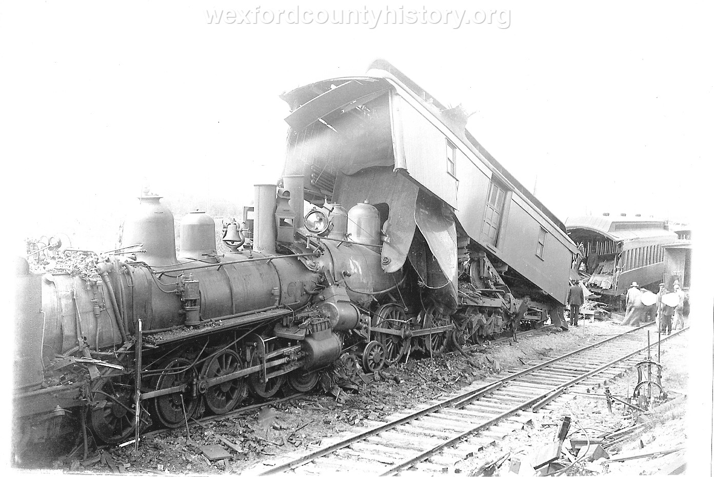 Cadillac-Railroad-Grand-Rapids-and-Indiana-Train-Wreck-1901-DS9ts7219-3