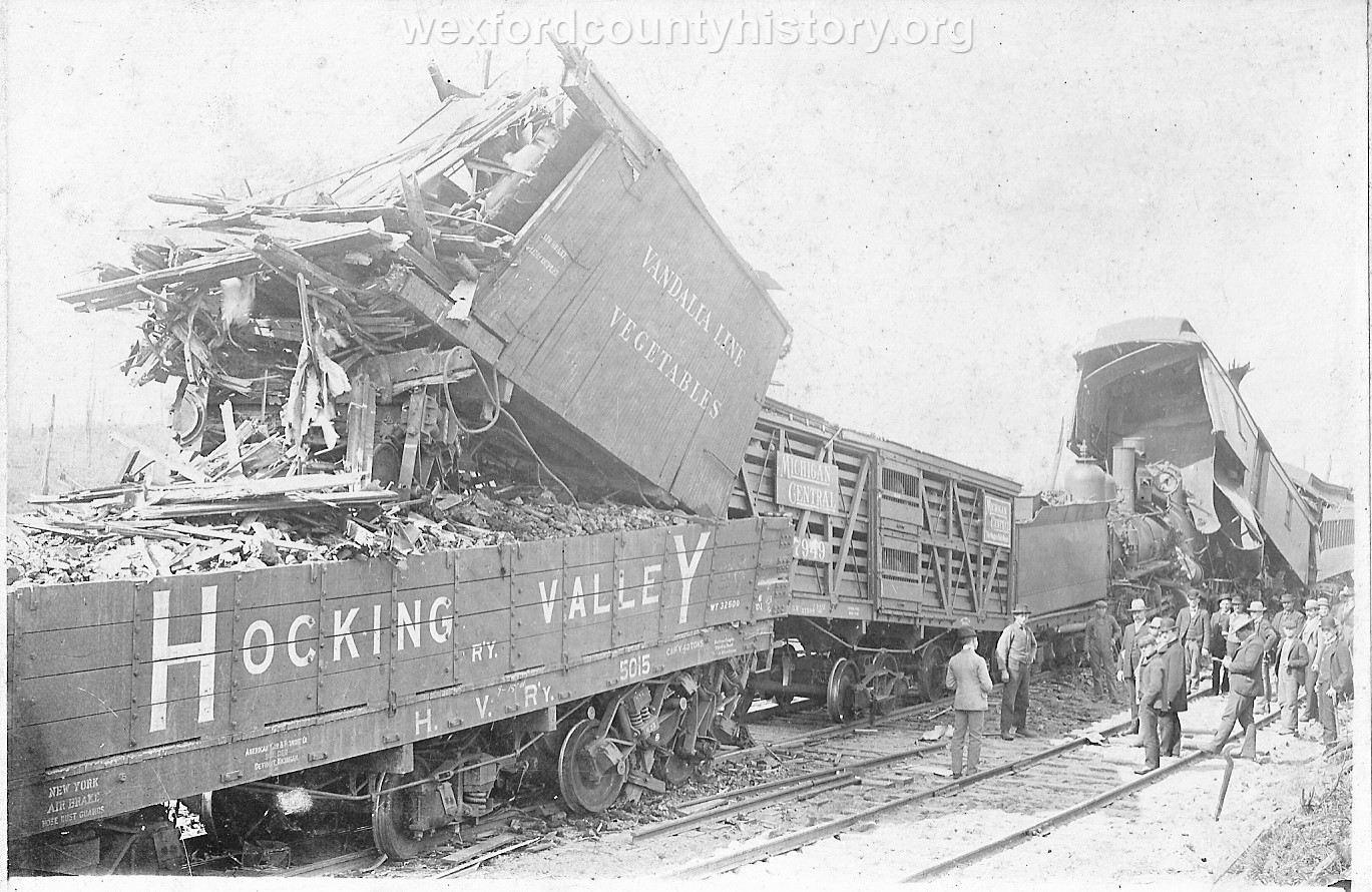 Cadillac-Railroad-Grand-Rapids-and-Indiana-Train-Wreck-1901-DS9ts7219-4