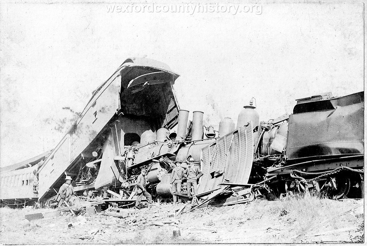 Cadillac-Railroad-Grand-Rapids-and-Indiana-Train-Wreck-1901-DS9ts7219-6