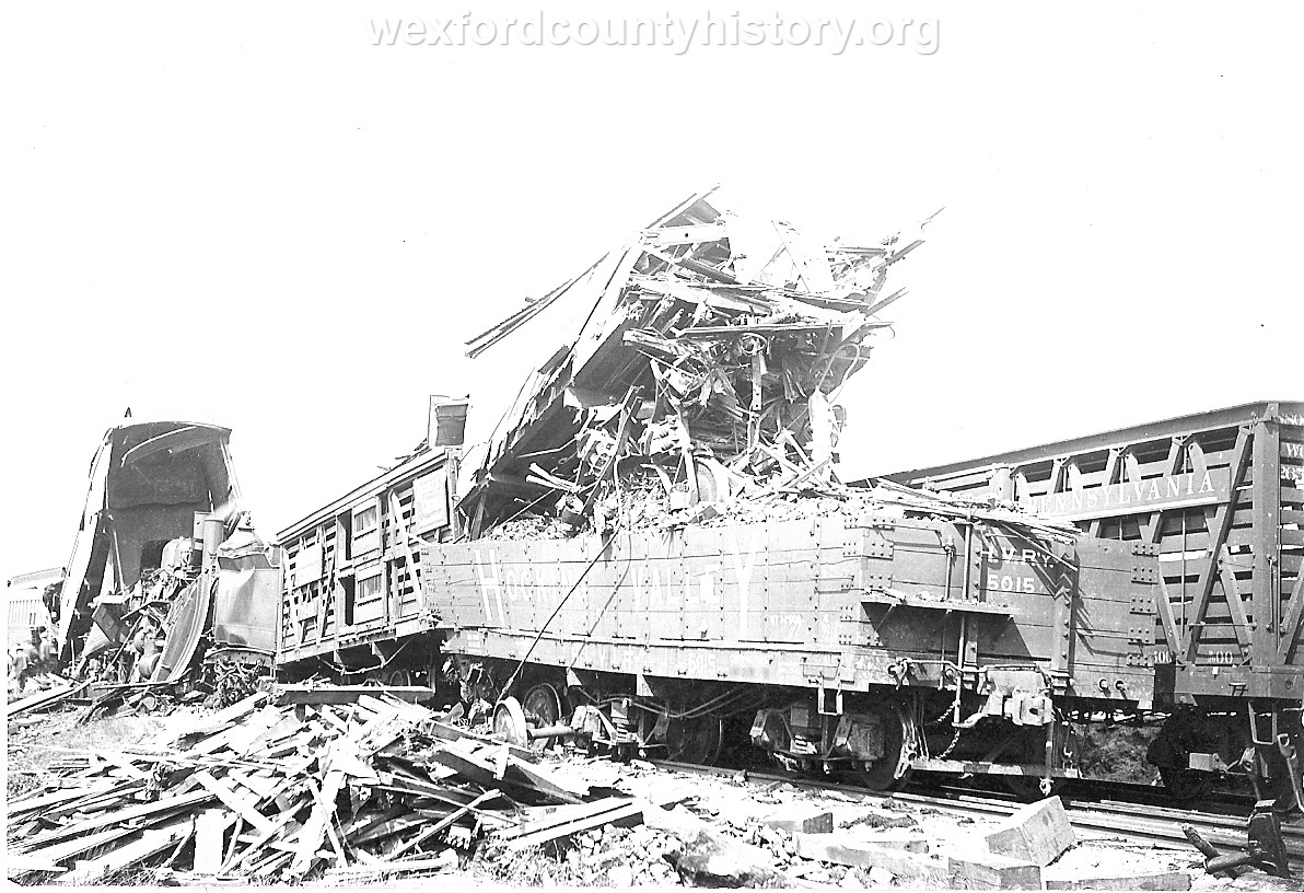 Cadillac-Railroad-Grand-Rapids-and-Indiana-Train-Wreck-1901-DS9ts7219-7