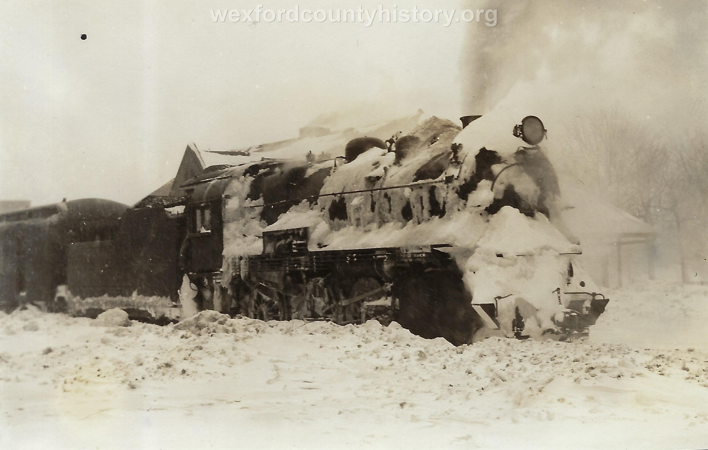 Cadillac-Railroad-Locomotive-In-Winter
