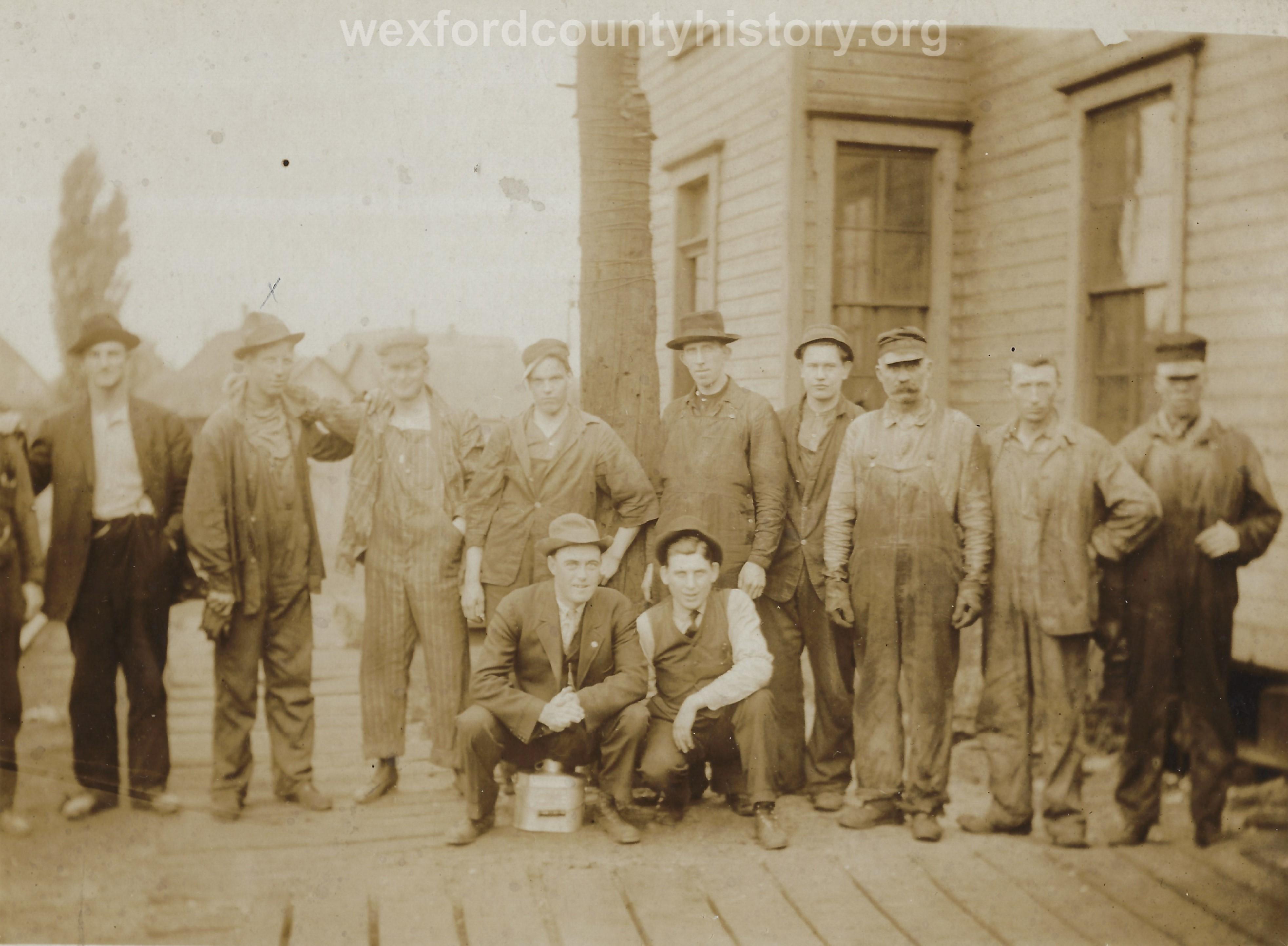 Cadillac-Railroad-Pennyslvania-Railroad-Crew