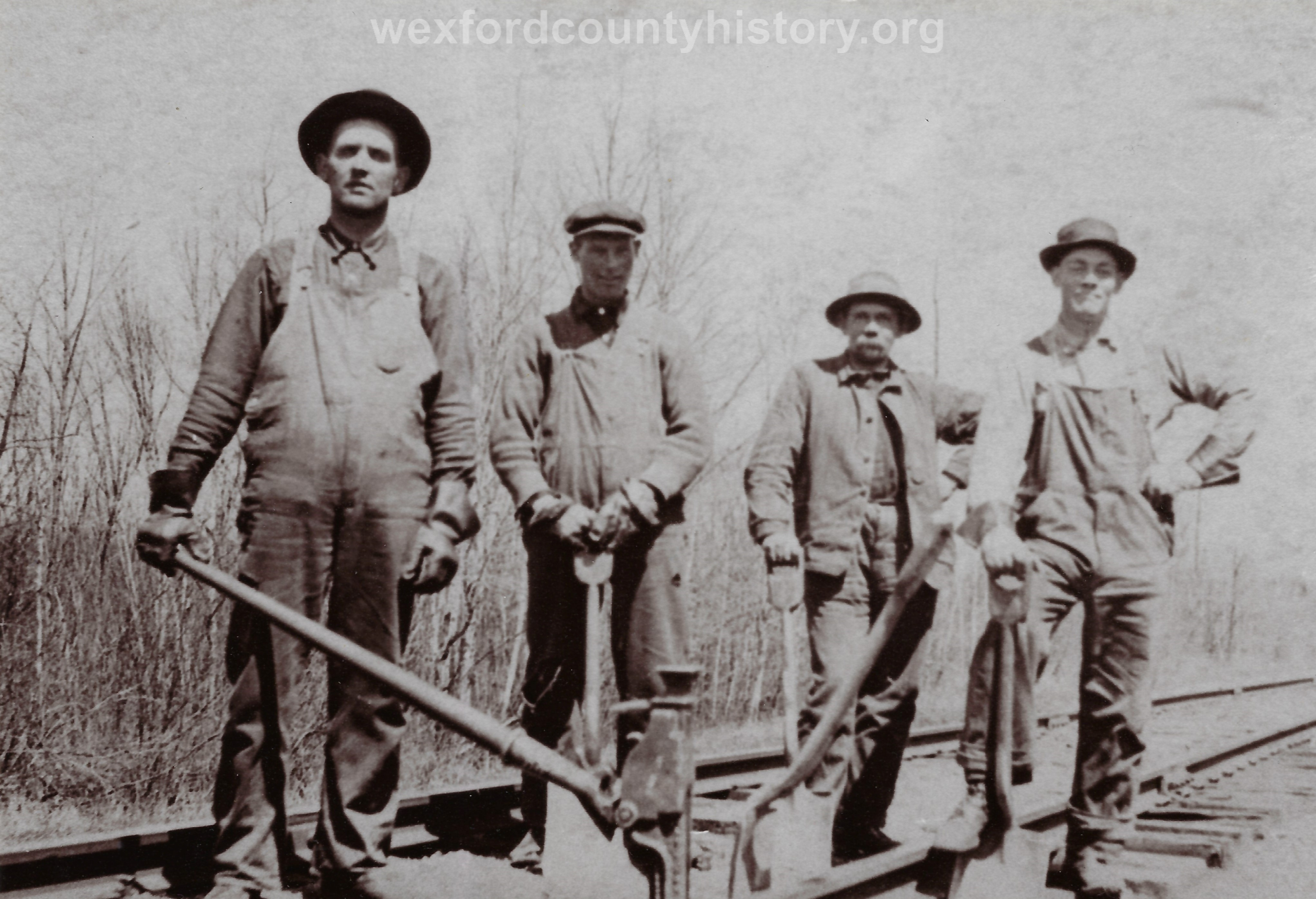 Cadillac-Railroad-Railroad-Workers