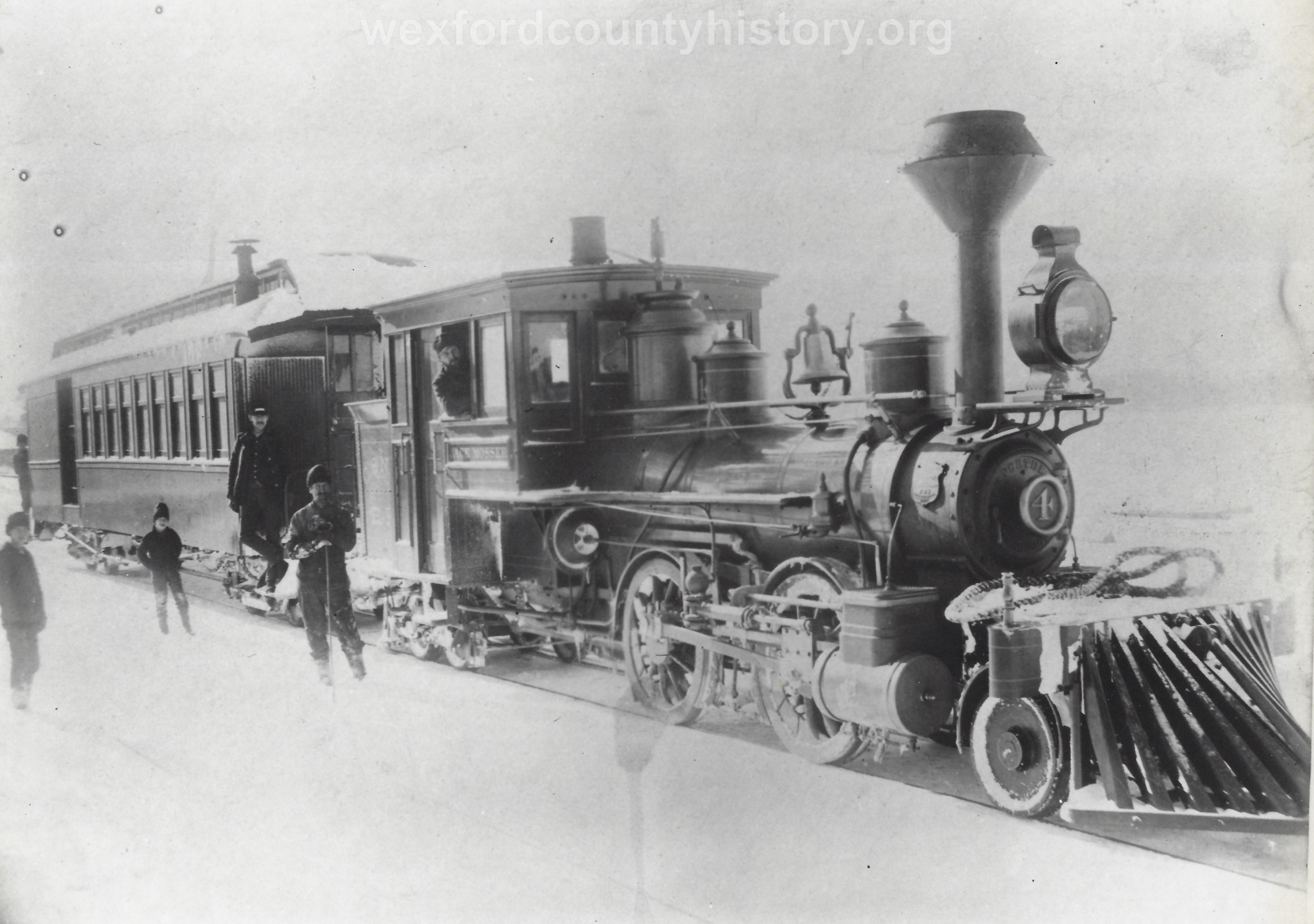 Cadillac-Railroad-Random-Scene-2