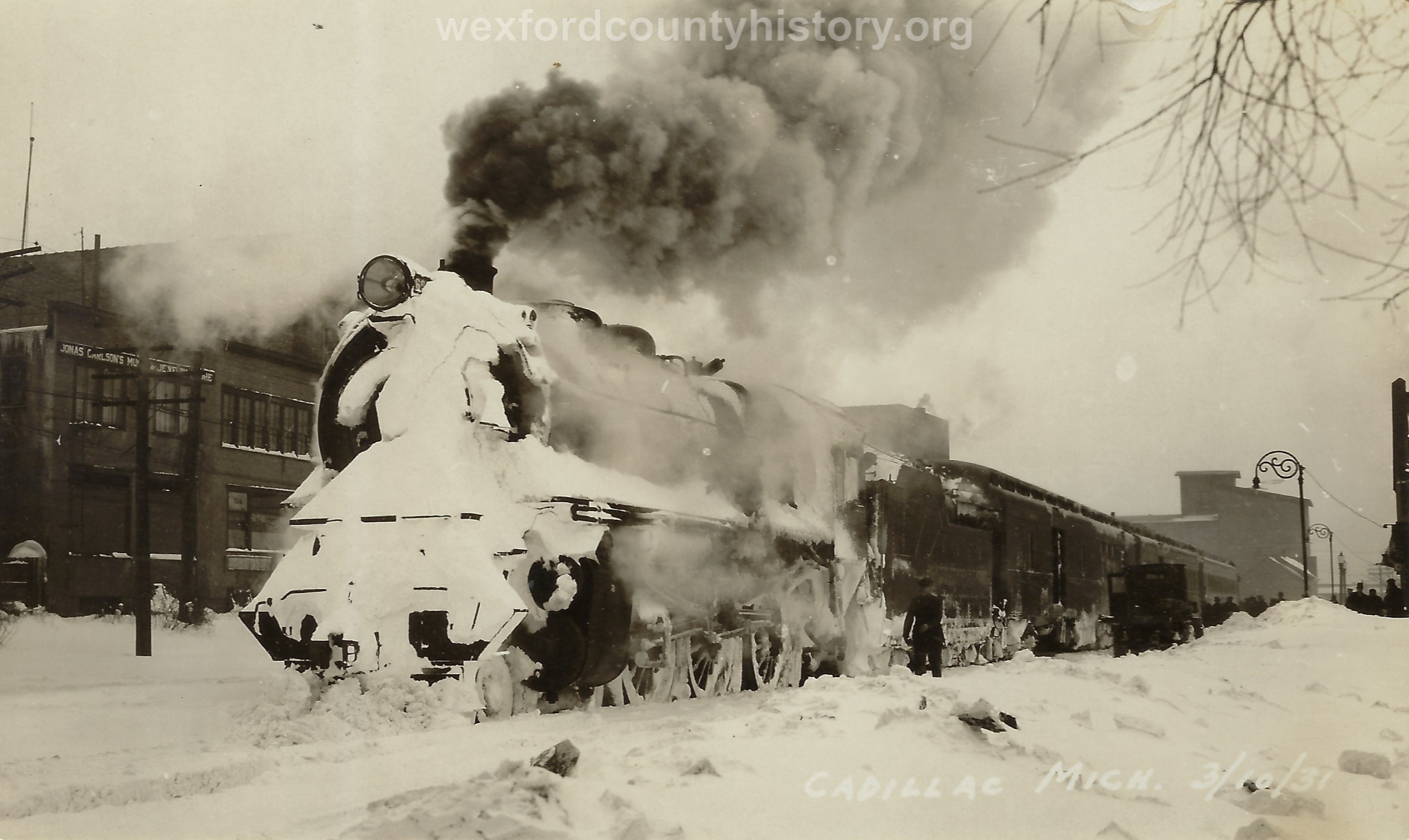 Cadillac-Railroad-Train-At-The-Depot-In-The-Park-In-Winter