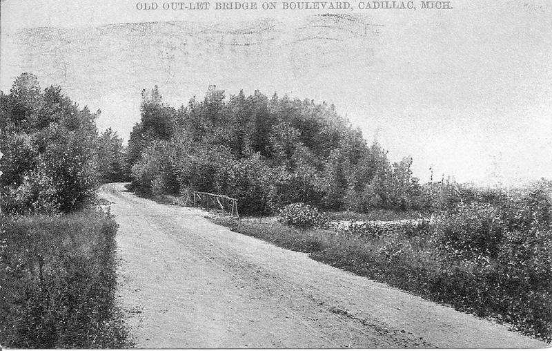 North Boulevard at Kenwood