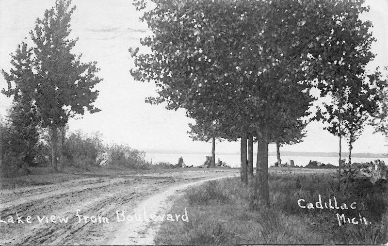 North Boulevard as a Dirt Road, 1909