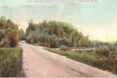 Cadillac-Recreation-Old-Outlet-Bridge-The-North-Boulevard-roadway-was-constructed-by-the-Mitchell-family.-This-1907-or-earlier.-photo-was-taken-approaching-the-Black-Creek-1