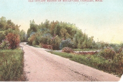 Cadillac-Recreation-Old-Outlet-Bridge-The-North-Boulevard-roadway-was-constructed-by-the-Mitchell-family.-This-1907-or-earlier.-photo-was-taken-approaching-the-Black-Creek-4