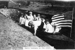 Boaters Afloat in the Canal