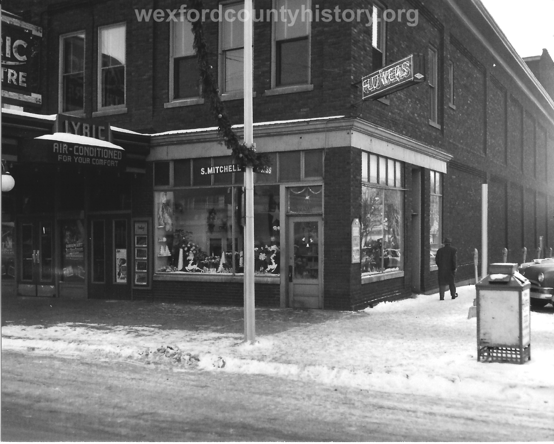 The Lyric Theatre Exterior in the 1940s.