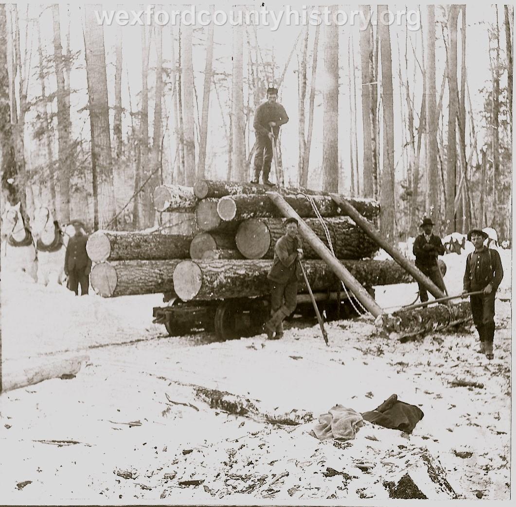 Cadillac-Lumber-Loading-the-rail-cars