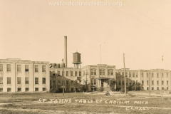 Cadillac-Business-St.-Johns-Table-Factory