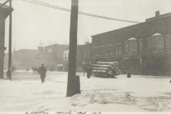 Cadillac-Lumber-Logs-On-200-Block-of-South-Mitchell-Street-in-1913