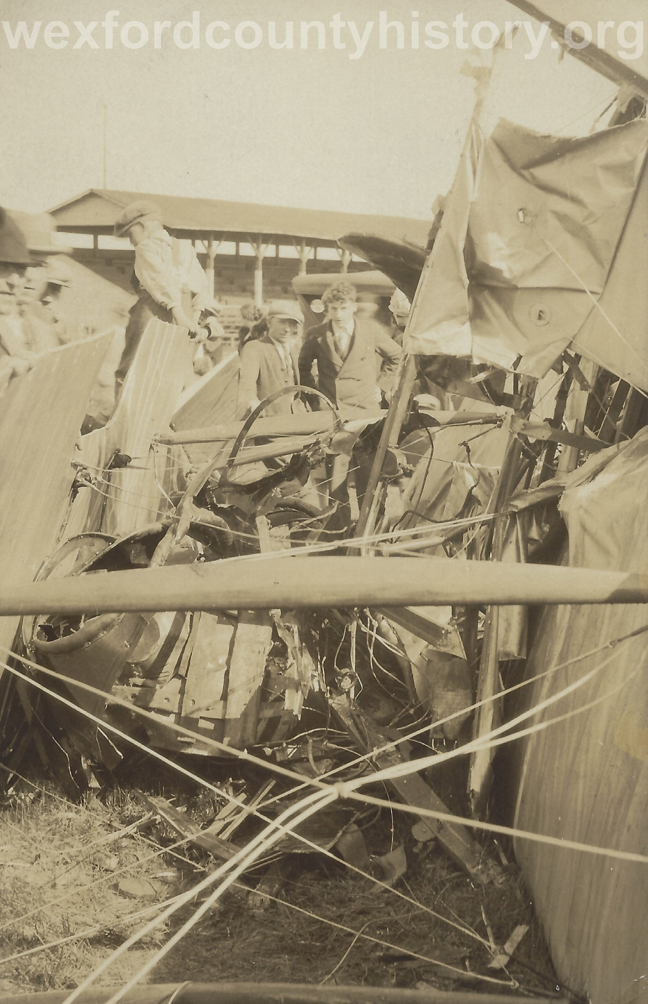 Cadillac-Misc-Airplane-Crash-At-The-Fairgrounds-2