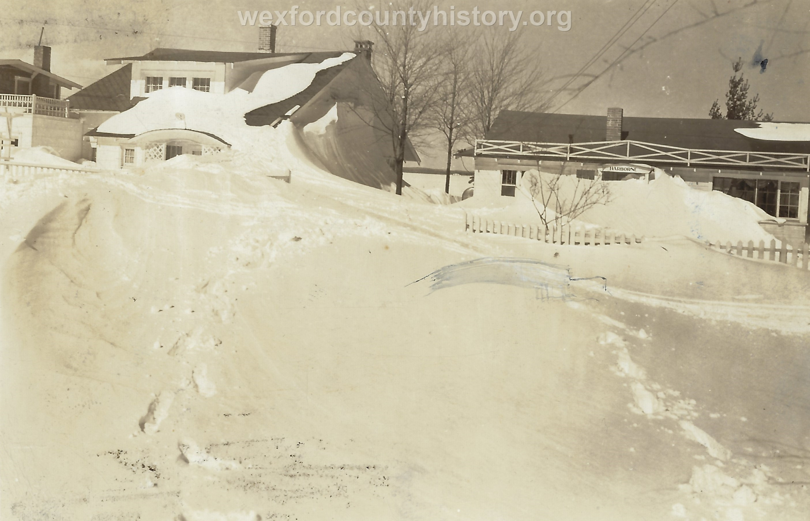 Cadillac-Weather-Large-Snow-Drifts