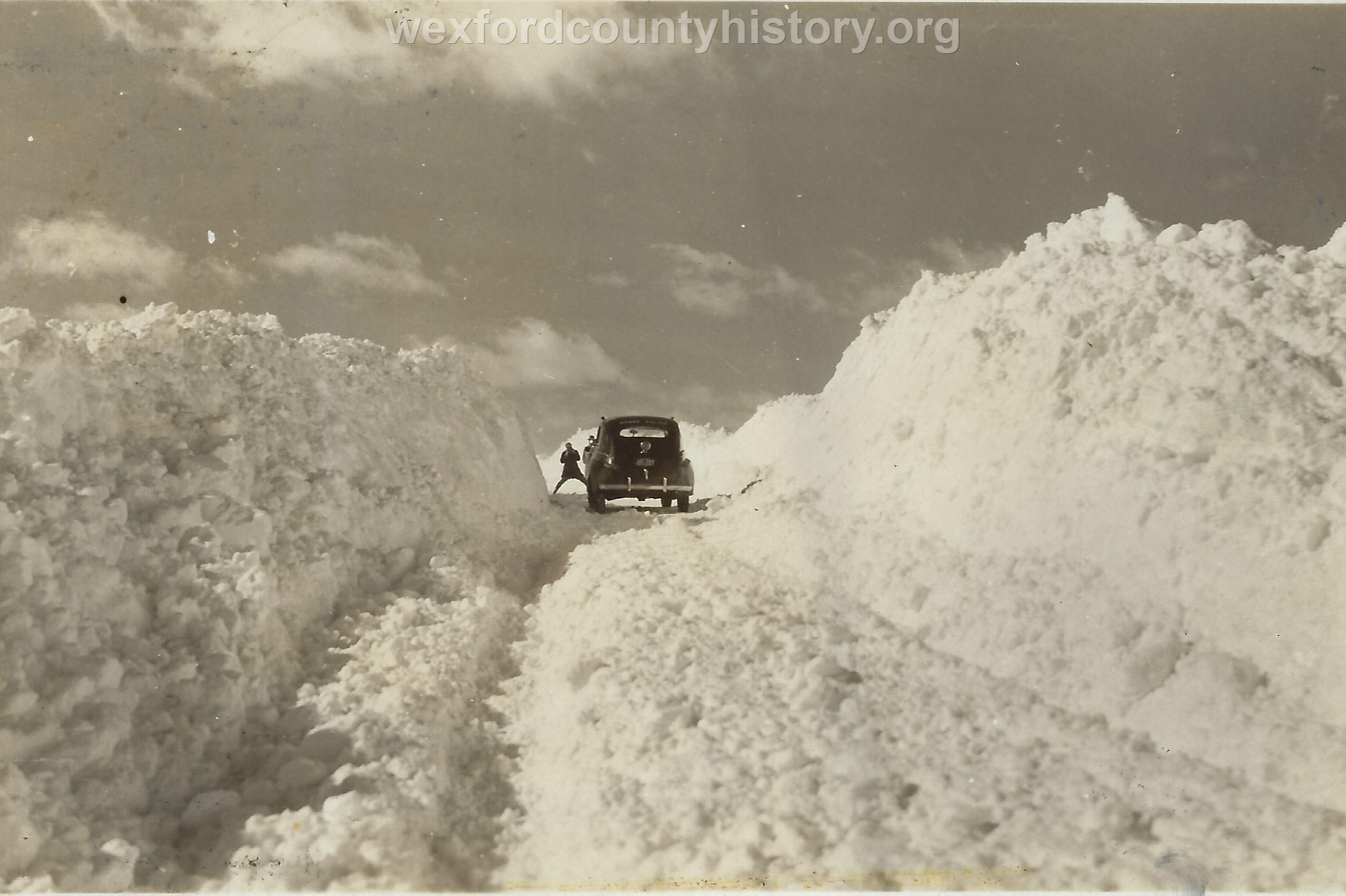 Cadillac-Weather-Winter-Scene-1