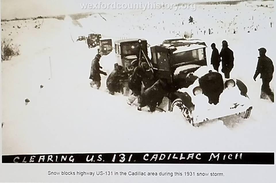 Cadillac-Weather-Winter-Scene-10