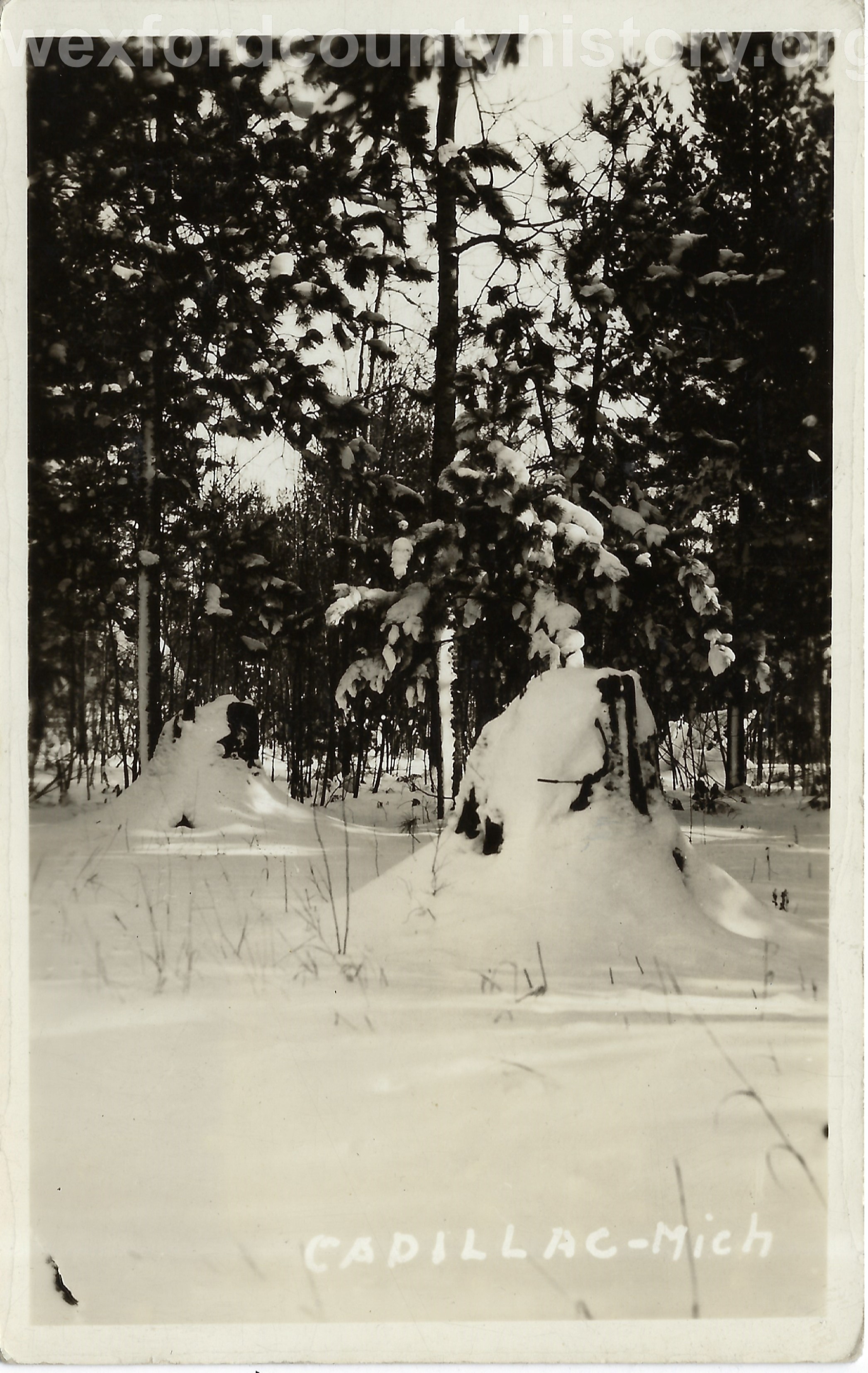 Cadillac-Weather-Winter-Scene-13